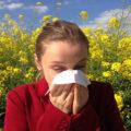 2月半ばから飛び始めるスギ花粉。花粉症を和らげるための対策とは?